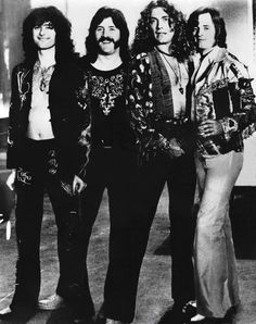Led Zeppelin, the progenitors of the heavy metal genre… John Paul Jones, John Bonham, Jimmy Page, Bruce Dickinson, Great Bands, Cool Bands, Rock N Roll, Heavy Metal, Style Année 70