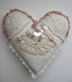 Heart pillow by Sandy Mastroni, via Flickr