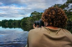 Learn how to choose the best camera for travel photography with these 7 easy steps. A buyers guide to the best dslr & compact cameras for travelling.