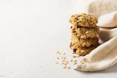 Sugar-free Butterless Oatmeal Cookies - Step To Health Gelatina Light, Biscuits, Homemade Oatmeal, Homemade Mayonnaise, Make Banana Bread, Vegetarian Snacks, Nutritious Snacks, Oatmeal Cookies, Coffee Recipes