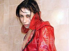 Magali Cacciatore, Studio improvisé, 5127. -This photo is copyrighted by the photographer and may not be used without permission. COPYRIGHT : Cirologie.com Cacciatore, Rain Wear, Collections, Studio, How To Wear, Fashion, Moda, Rains Clothing, Fashion Styles