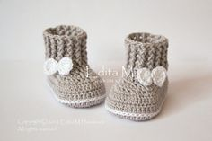 Hey, I found this really awesome Etsy listing at https://www.etsy.com/listing/488558290/crochet-baby-booties-baby-shoes-boots