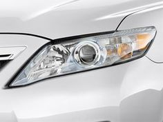2010 Toyota Camry Headlight. Just like an eagle's eye, it will you throughout the night.