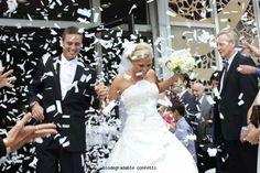 Eco-friendly wedding confetti ideas: water-soluble paper