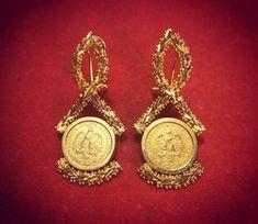 Joyeria Tradicional Oaxaqueña. Aretes Itsmeños hechos a mano en Oro de 14k y Monedas de 22k.  Oaxaca, México.