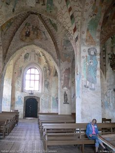 The medieval church of Hattula - Hattulan keskiaikainen kirkko Grave Monuments, Old Churches, Winding Road, Kirchen, Helsinki, Medieval, Bolly Wood, Places To Go, Tourism