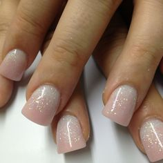 Nude, acrylic nails | with some glitter