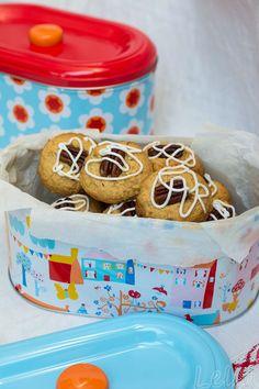Leckere Erdnussbutter - Kekse mit Cranberries, aussen knusprig, innen Erdnussbutter-cremig #kekse #erdnussbutter #erdnussbutterkekse #cranberries #gesundnaschen