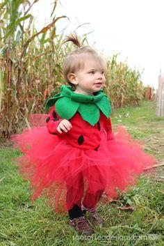#DIY Strawberry #Halloween Costume for a Toddler | spotofteadesigns.com