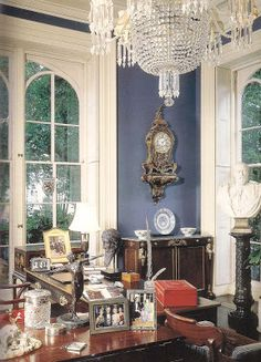 The Devoted Classicist: The Furnishings: Mercer House