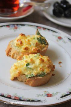 NESRiN`S KÜCHE: Im Ofen Gebackene Baguette / Fırınlanmış Peynirli Ekmekçikler