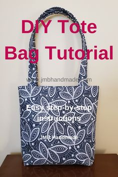Learn to sew a simple tote bag with this easy sewing project tutorial. Learn to sew a simple tote bag with this easy sewing project tutorial. Sacs Tote Bags, Diy Tote Bag, Diy Purse, Sew A Bag, Bags To Sew, Diy Sewing Projects, Sewing Projects For Beginners, Sewing Tips, Sewing Tutorials