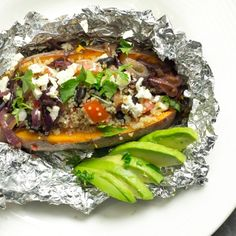 What is for dinner: Stuffed sweet potato with quinoa! Create magic and transform almost every left-over in a powerlunch or dinner! Use the sweet potato as a delicious gluten-free 'bowl