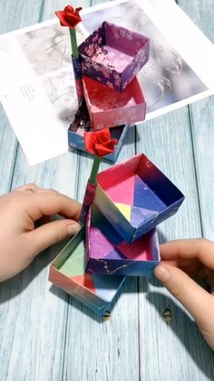 Amazing paper craft idea tutorial! Diy Crafts Hacks, Diy Crafts For Gifts, Diy Home Crafts, Easy Diy Crafts, Diy Arts And Crafts, Diy Crafts Videos, Creative Crafts, Diy Projects, Paper Crafts Origami