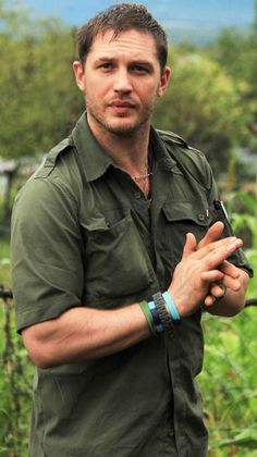 Tom Hardy. This is a wonderful picture!