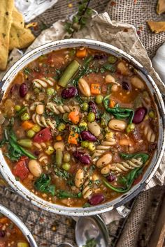 Bursting with delicious flavor this Healthy Minestrone Soup is loaded with nourishing veggies hearty beans savory spices and tasty pasta vegan oilfree glutenfree plantbased Healthy Soup Recipes, Whole Food Recipes, Vegetarian Recipes, Cooking Recipes, Dinner Recipes, Vegan Soups, Healthy Winter Recipes, Pasta Recipes, Milk Recipes