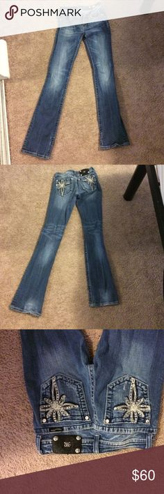 Miss Me jeans Miss me jeans. Inseam is a 32 size 27 Miss Me Jeans Boot Cut