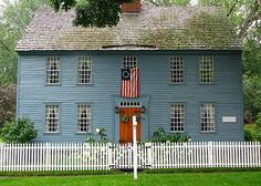 Exterior Paint Colonial Early American 61 Ideas For 2019 Early American Homes, American Houses, Exterior Colonial, Exterior Paint, Primitive Homes, Primitive Decor, New England Style, New England Homes, Saltbox Houses