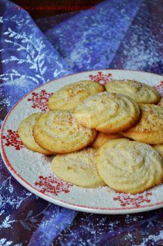 Fursecuri pentru Craciun - CAIETUL CU RETETE Romanian Desserts, Romanian Food, Pie Dessert, Dessert Recipes, Dessert Ideas, Just Bake, Biscotti, Foodies, Bakery