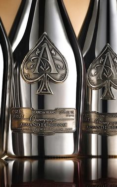 Famous alcoholic brand Armand de Brignac has released a truly luxurious collection of champagne. One bottle of Prestige Cuvees costs about three hundred dollars, and the high price Champagne Brands, Champagne Taste, Champagne Bottles, Pop Bottles, Alcohol Bottles, Liquor Bottles, Champagne Color, Whisky, Tequila