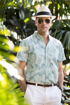 palm-tree-printed-shirt-white-shorts-panama-hat-tan-suede-loafers-mens-casual-summer-outfit-ideas-4