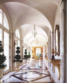 Interior by Alexa Hampton. I love the floor design and the topiaries! Alexa Hampton, Home Interior, Interior Architecture, Interior Design, Beautiful Interiors, Beautiful Homes, Beautiful Space, Design Hotel Paris, Foyer Decorating