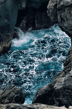unruly water - next hole to the ocean | uwhe-arts