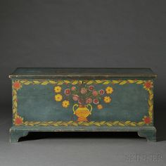 Paint-decorated Pine Blanket Chest, Schoharie or Albany County, New York, Painted Trunk, Painted Chest, Painted Boxes, Painted Furniture, Timber Furniture, Farmhouse Living Room Furniture, Primitive Furniture, Country Furniture, Arabesque