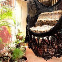 Ik vind de onderkant echt heel mooi dus dat ga ik ook meenemen   -Black Sitting Hammock, Hanging Chair Natural Cotton and Wood plus Presidential Fringe-