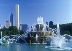 Chicago Hotels, Buckingham Fountain, Grant Park, Marina Bay Sands, Illinois, Waterfall, Building, Travel, Outdoor