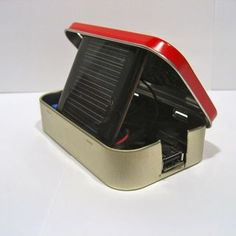 DIY altoid tin solar USB charger will power your iPod or phone wherever you are