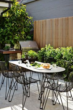 outdoor-dining-set-bbq