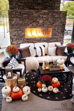 Decorating An Outdoor Space For Fall - Taryn Whiteaker White Pumpkins, Cool Diy Projects, Autumn Home, Outdoor Spaces, Fall Decor, Life Is Good, Diy Home Decor, Table Decorations, Diy Ideas
