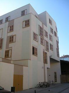 Edificio Santa Caterina (2005) Enric Miralles & Benedetta Tagliabue