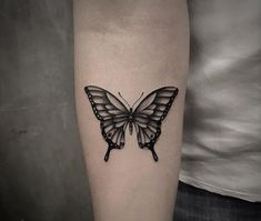 Dainty Tattoos, Pretty Tattoos, Small Tattoos, Music Tattoos, New Tattoos, Cool Tattoos, Butterfly Tattoos For Women, Butterfly Tattoo Designs, Traditional Butterfly Tattoo