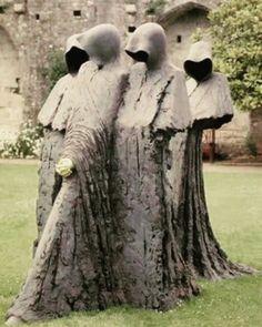 Cloister Conspiracy,bronze by Philip Jackson *shivers* Silent Sisters Sculptures Céramiques, Sculpture Art, Cemetery Art, Arte Horror, Memento Mori, Art And Architecture, Installation Art, Garden Art, Amazing Art