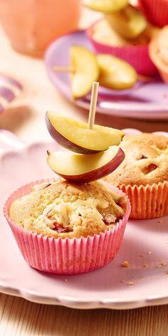 Was Süßes gefällig? Unsere Pflaumen-Mini-Muffins sind nicht nur schön anzuschauen, sie schmecken auch wahnsinnig lecker! Das perfekte Rezept zum Backen am Wochenende. Ihr werdet begeistert sein. Viel Spaß beim Nachmachen.