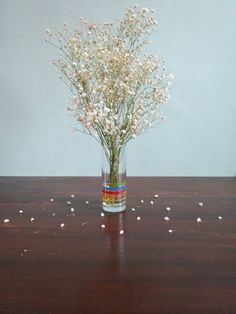 Baby breath in flowers vase | instagram @semiku_
