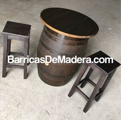 Do you like this pack barrel-table + stools varnished in dark brown? Perfect for gardens, terraces and events. | ¿Os gusta este conjunto de barrica-mesa con taburetes con acabado nogal oscuro? Son perfectas para jardín, terraza o eventos. #usedbarrels #oakbarrels #barriques #botti #redwine #wijnvaten #vaten #vintønde #woodenbarrel #tonneau #futdechene #winebarrel #oakbarrel #tonneaux #casks #barricas  #toneles #barriles #cubas #regenton #kopen #kuipen #wijnkuip #wijnvat #vatten #weinfass…