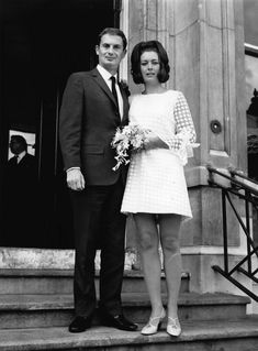 Sporting a mini-wedding dress in 15 Pieces Of Bridal Inspiration 1960s Wedding Dresses, Wedding Gowns, Wedding Styles, Wedding Photos, Courthouse Wedding Dress, Bride Pictures, Vintage Bridal, Vintage Weddings, Dress Vintage