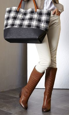 Quilted detailing booties//