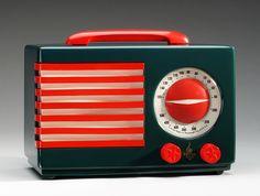 """Patriot"" radio, 1939 Norman Bel Geddes (American, Emerson Radio and Phonograph Corp., New York Catalin Bauhaus, Radio Record Player, Record Players, Harlem Renaissance, Radio Antique, Emerson Radio, Poste Radio, Art Nouveau, Retro Radios"
