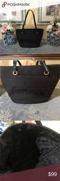 Michael Kors purse Gorgeous Michael Kors purse authentic KORS Michael Kors Bags
