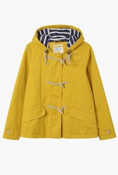 Raincoats for women that have all the technical benefits of waterproof jackets but are feminine and flattering too. Waterproof, windproof and breathable, in lots of different colours, fabrics, lengths and styles – find your perfect coat. Raincoat Outfit, Hooded Raincoat, Long Raincoat, Outdoor Coats, Yellow Raincoat, Duffle Coat, Inspiration Mode, Nautical Fashion, Nautical Style
