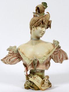 TEPLITZ AUSTRIAN PORCELAIN BUST OF A YOUNG LADY : Lot 111037