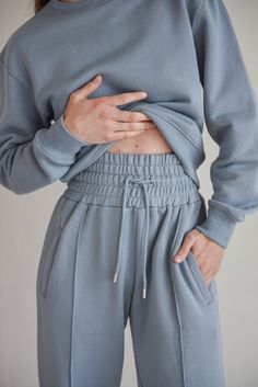 Trendy Outfits, Women Wear, Sweatshirts, Style Diary, Womens Fashion, Model, Cotton, How To Wear, Blue