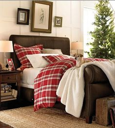 Cozy Christmas room - I like the head/ foot board too.