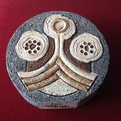 Troika Wheel Vase Anne Lewis Cornwall, British, Pottery, Shapes, Ceramics, Image, Ceramica, Ceramica, Pottery Marks