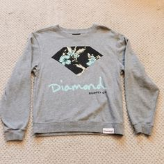 Diamond Crewneck  This Crewneck has real floral detailing! Super cute :) washed a few times, still in good condition:) great to wear out as an everyday item or even to sleep in. Feel free to ask questions :) Diamond Co. Sweaters Crew & Scoop Necks