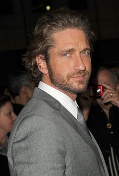 "Gerard Butler Photos - Premiere Of Relativity's ""Machine Gun Preacher"" - Arrivals - Zimbio"